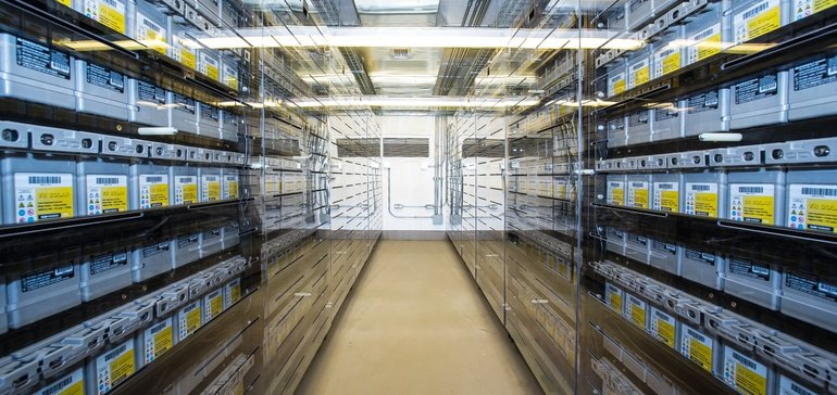 battery-storage-warehouse